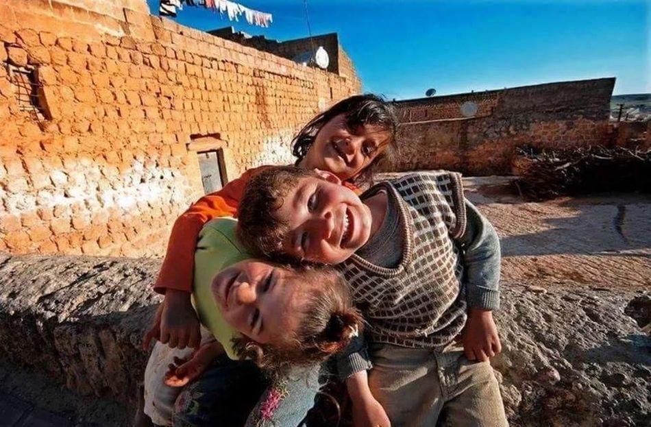 Gülmek resmen hayata kafa tutmaktır .:) Hello World