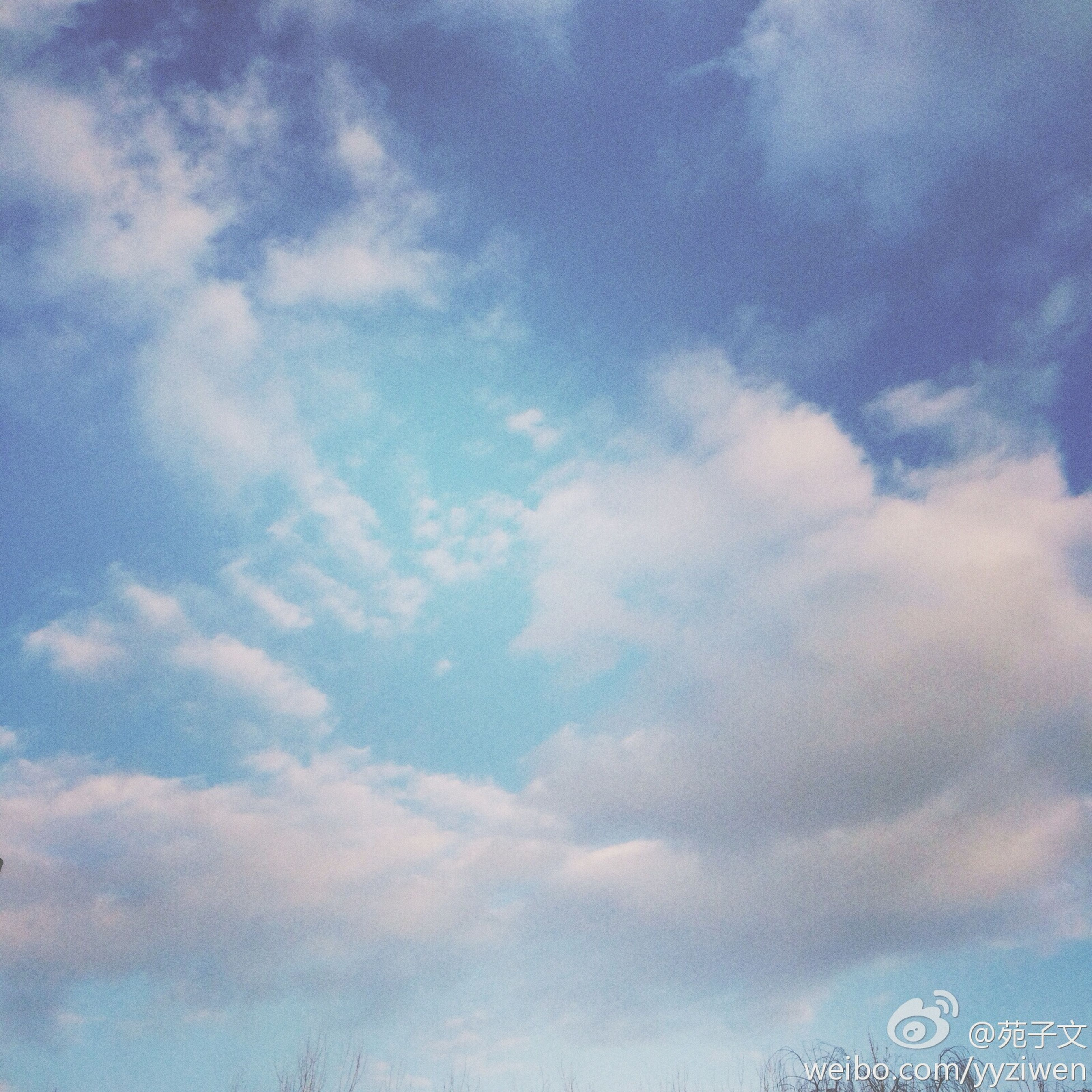 low angle view, sky, cloud - sky, cloudy, blue, cloud, nature, beauty in nature, outdoors, day, no people, tranquility, scenics, weather, high section, backgrounds, cloudscape, white color, overcast, tranquil scene