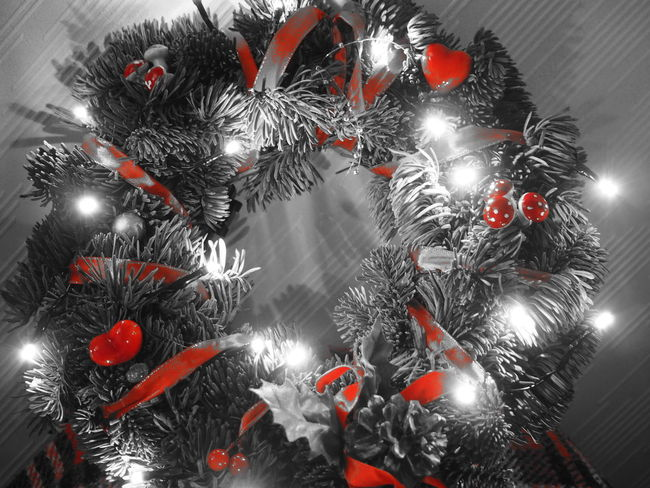 playing around with my camera Art Photo Art Photography Christmas Decorations Christmas Lights Lights Partial Color Redhead Ring Of Light