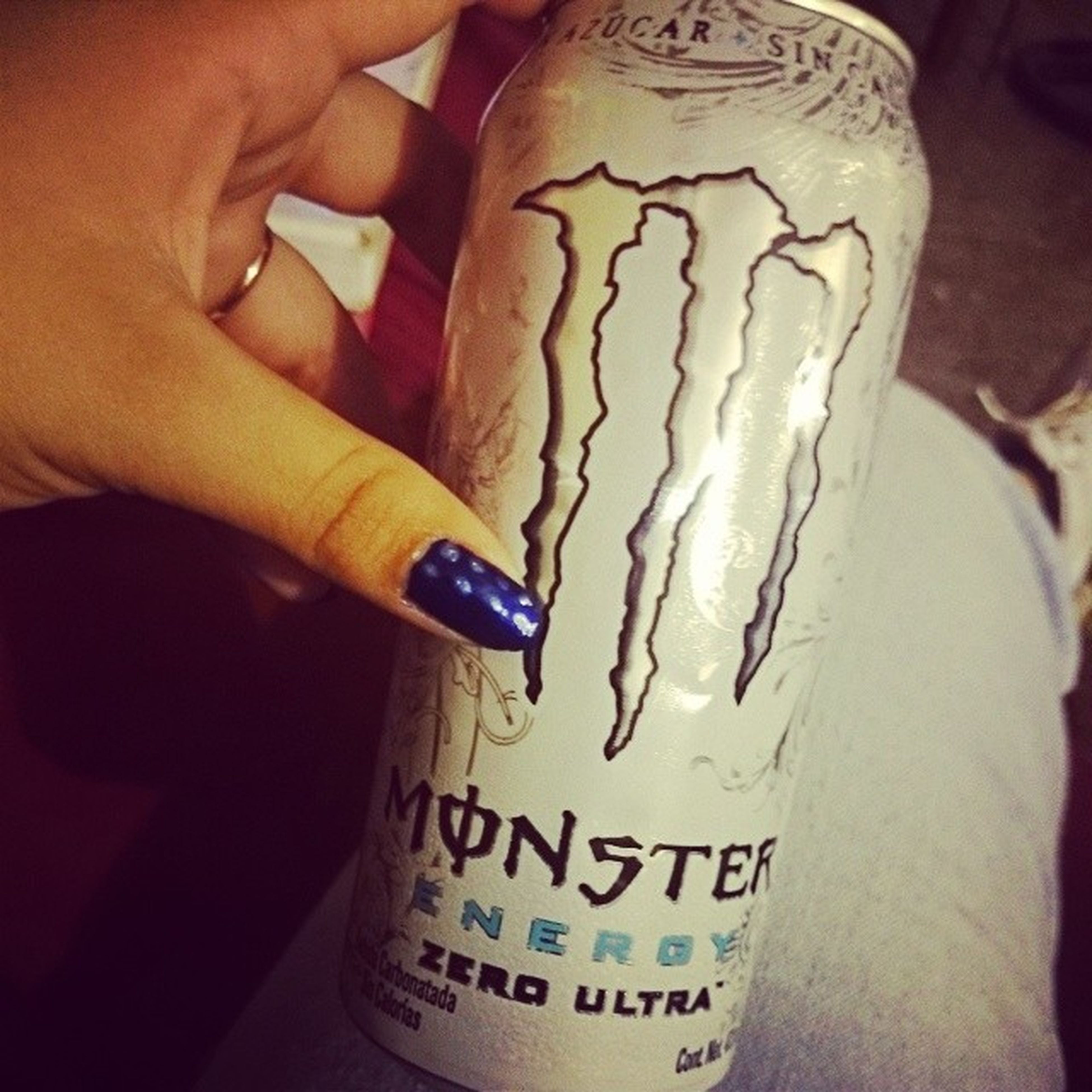 Monster . Energye . Paseleporlascocas xD JAJAJA