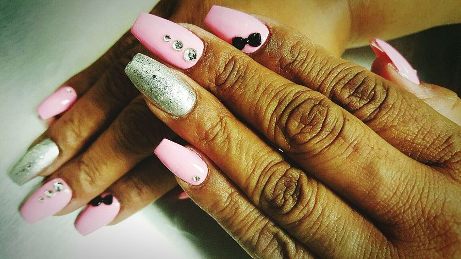 Minimalism Beauty Hands Gray And Pink Gliter Solid Color Background Solid Colors Pink Nails With Bow Mother Nails Done Chilling