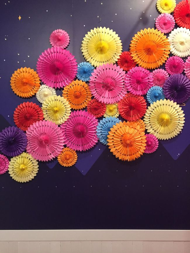 Colourful paper flowers under a starry night Colourful Flowers Paper Flowers Starry Night flowers Starry Sky paper flowers gathering Paper Flowers Party