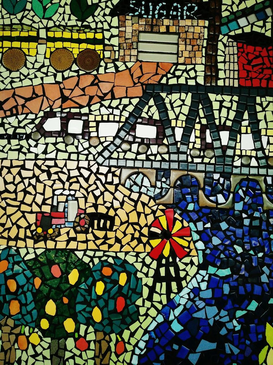 All different textures, shapes and colourful of beautiful mosaic artist. Mosaic Tiles Mosaic Pattern Mosaic Portrait Mosaicartist Marco Photography Beautiful Photo 👌 Textures And Shapes Colourful Portrait Artist