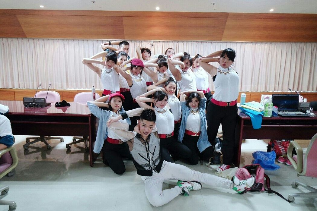 I Love You Guys! Taking Photos Dance Show Tv Show Dance Waacking