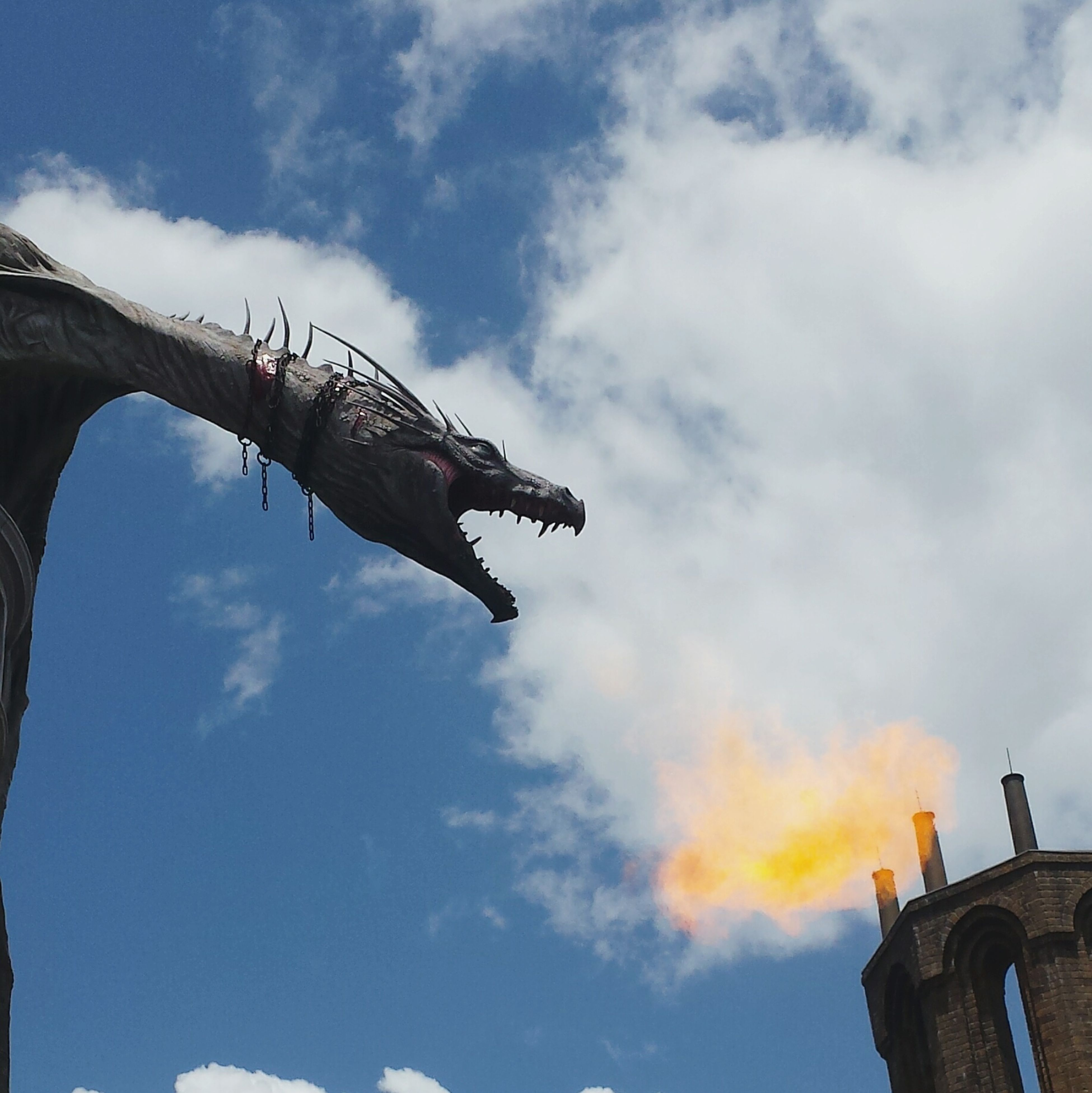 Harry Potter World 2016 Fire Breathing Dragon Escape From Gringott's Diagon Alley Universal Studios Orlando