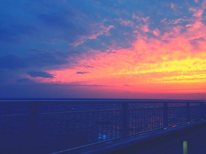 燃えてる Sunset #sun #clouds #skylovers #sky #nature #beautifulinnature #naturalbeauty #photography #landscape Sea And Sky