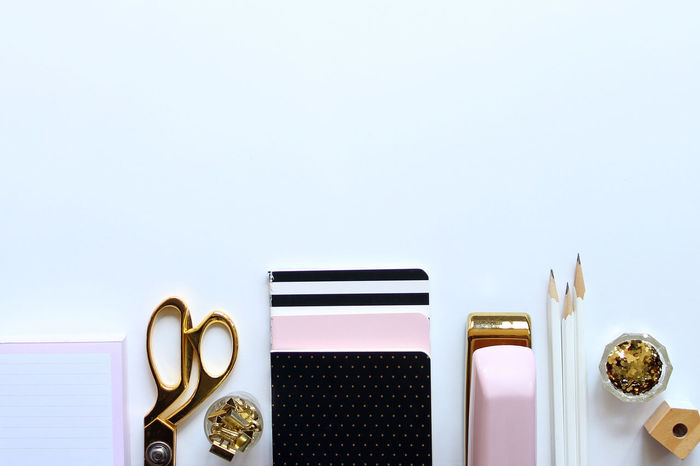 Chic desktop Back To School Backgrounds Black Border Business Chic Copy Space Desk Desk From Above Desktop Directly Above Elegant Flat Lay Frame Glamour Glitter Gold Modern Office Pink School Supplies Study White Work