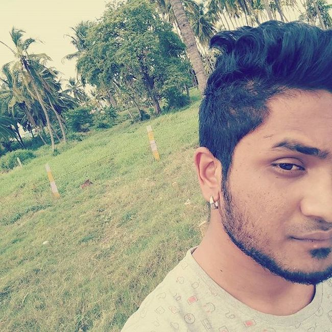 Evening in the nature be like this Boredomselfie Selfieaddict Oneplusone Opography Nofiltersselfie 😉