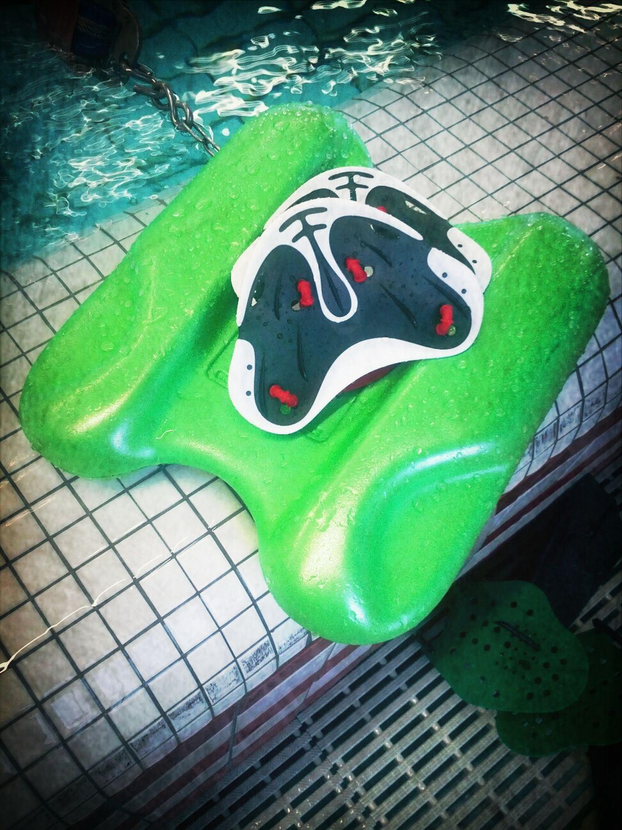 Fingerpaddeles und Pullkick - die neuen Freunde sind eine ganz starke Kombination. Techniktraining auf ungeahntem Level... Swim Swimming :-)