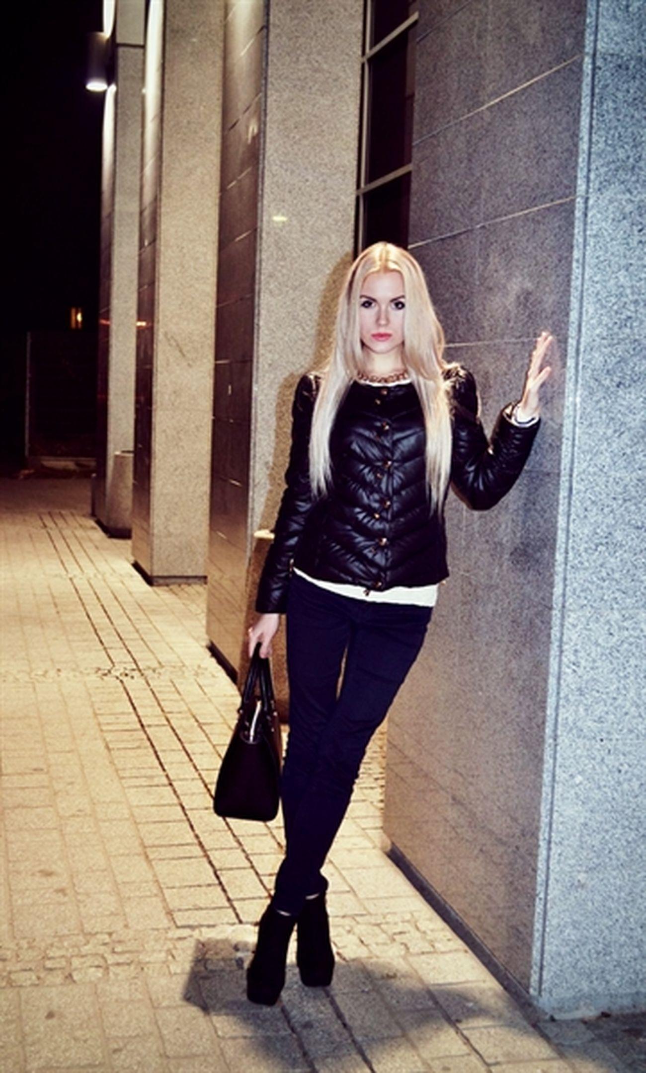 Shopping Blonde Girl Model Beauty