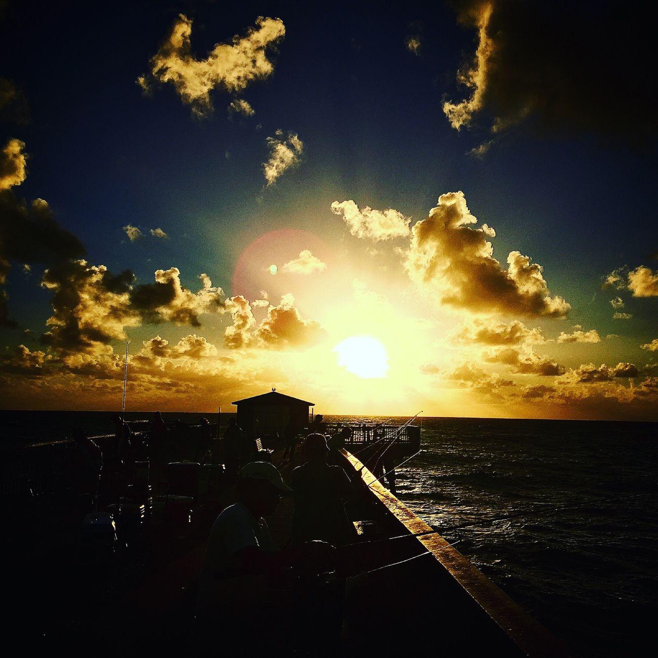 Bright Lights Sunrise Enjoying The Sun Yaaayy🙌 Sunshine Fisherman Sunrise And Clouds