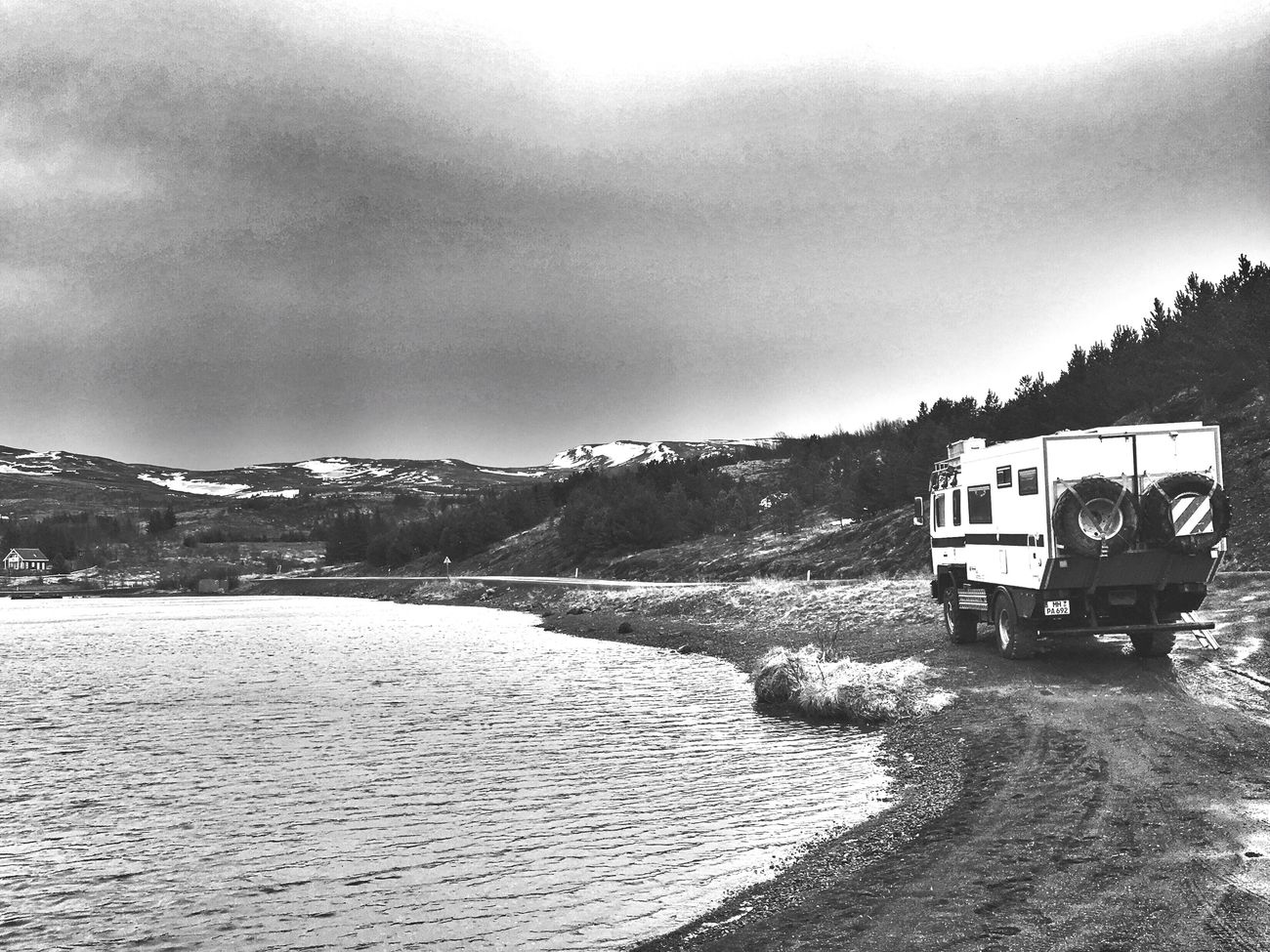 Goodnight Great Place Lake Iceland116 Camper