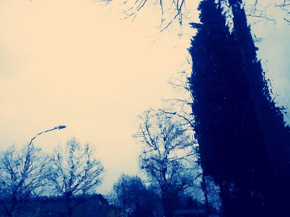 Piove.
