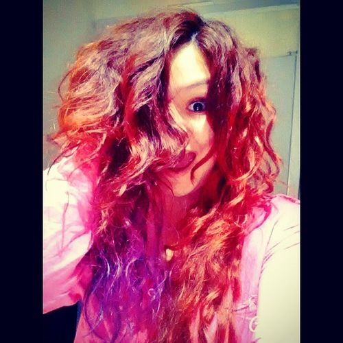 Purpuraaaaa ??? Redhair Dyehair Longhair Violet ombrehair