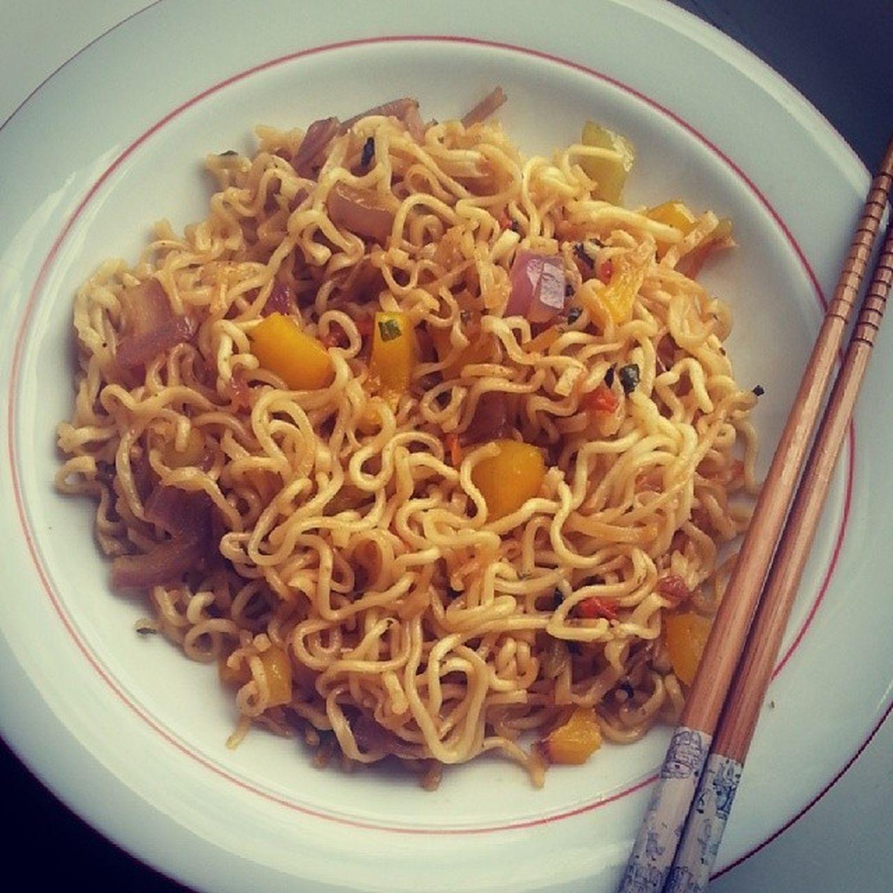 Noodletime🍝 Khaja Khane Bela chopstick seasoning? nepalifood asianfood ✌instafood yummy igers ?igersnepal hmm ?