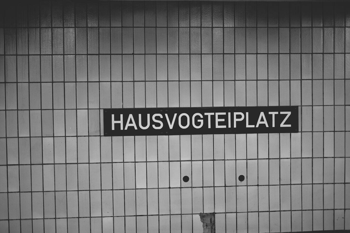 Berlin Subway Station Signage U2 I See Faces