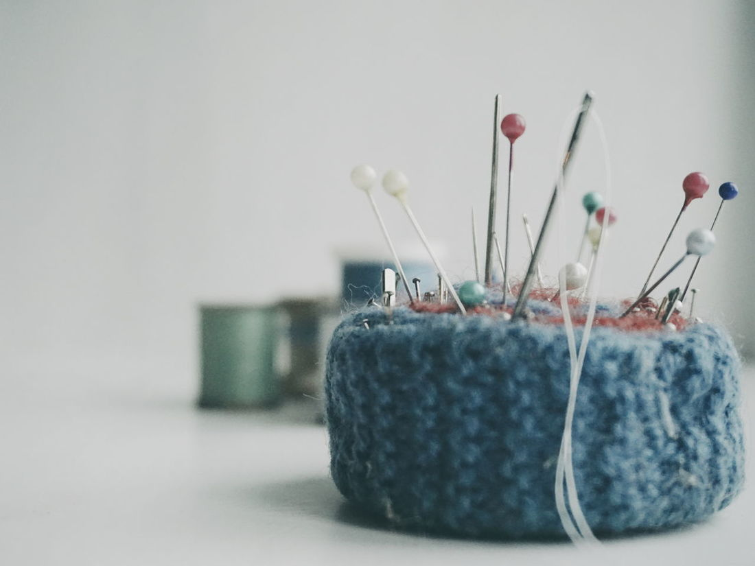 handmade pin cushion Knitting Needle Ball Of Wool No People Indoors  Close-up Creativity Old Fashion Vintage White Background Sewing Stuff Sewing Needle Sewing Pin Needles Sew Handmade Pins Large Group Of Objects Pincushion Skill  Needles And Pins Sewing Multi Colored Pin Threads Spools Of Thread