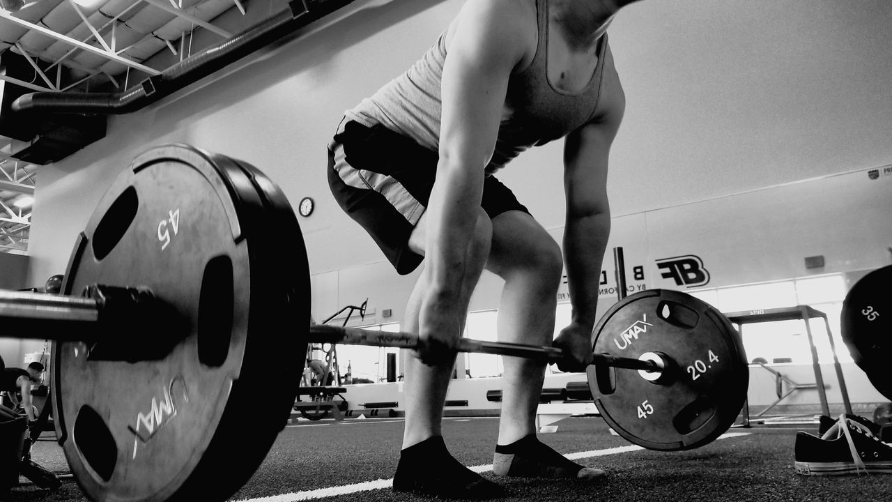 Gym Exercising Weights Deadlift Plates