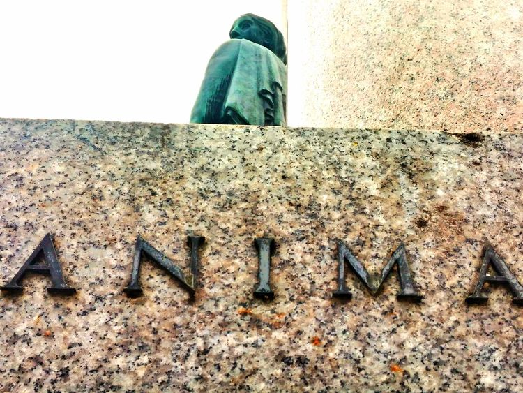 Up Close Street Photography Architectural Detail Architecture Architecture_collection Woman Statue Sight Women Sight Bronze