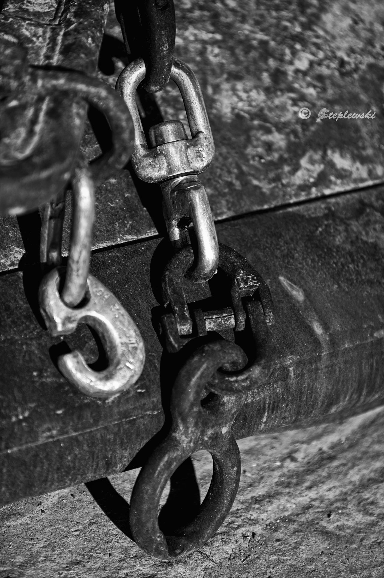 Hardware Iron Rust Black & White