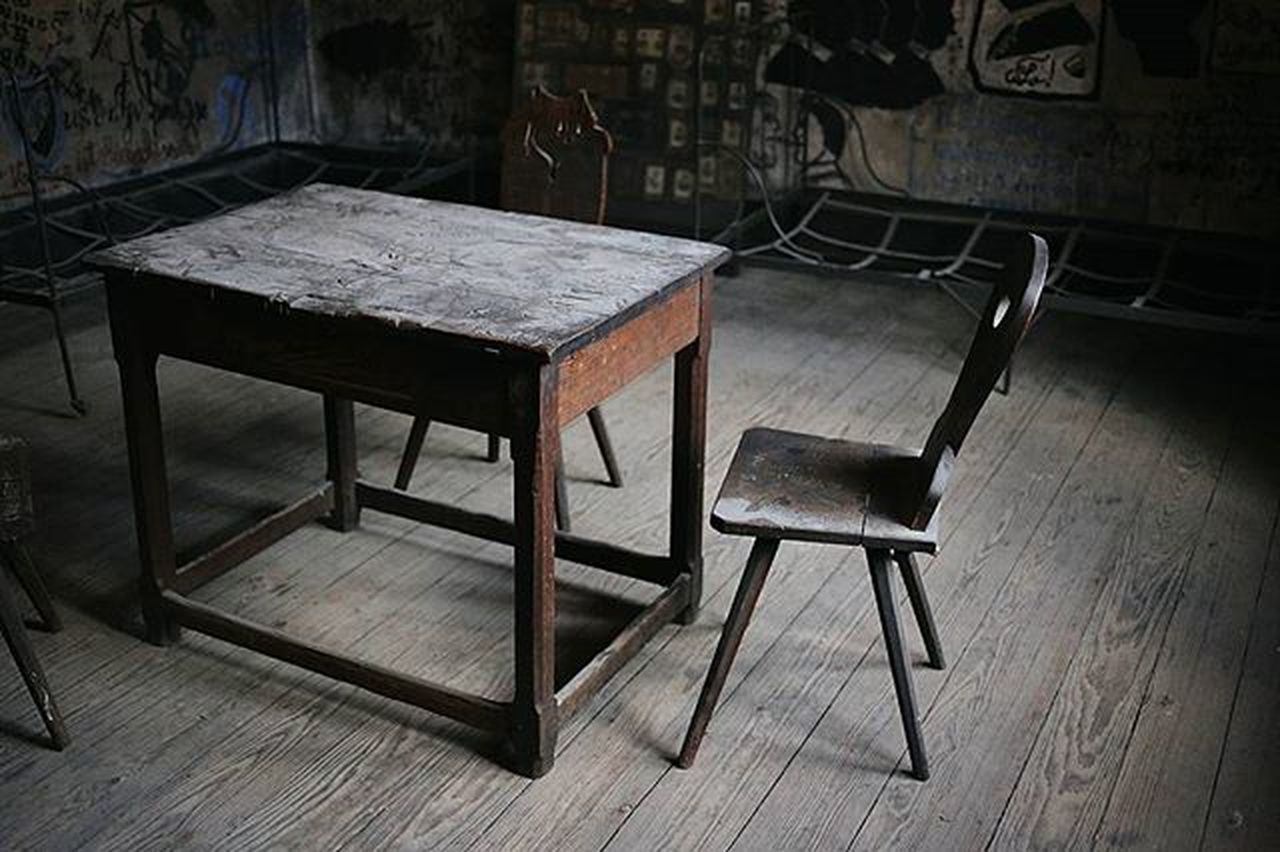 chair, wood - material, indoors, empty, table, furniture, no people, seat, architecture, blackboard, day