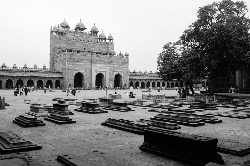 ..rest in peace.. Architecture Fatehpursikri History Showcase March UNESCO World Heritage Site Travel Destinations World Heritage Mughal Architecture Famous Place Depth Of Field Mosque Graves Mughalarchitecture EyeEmNewHere