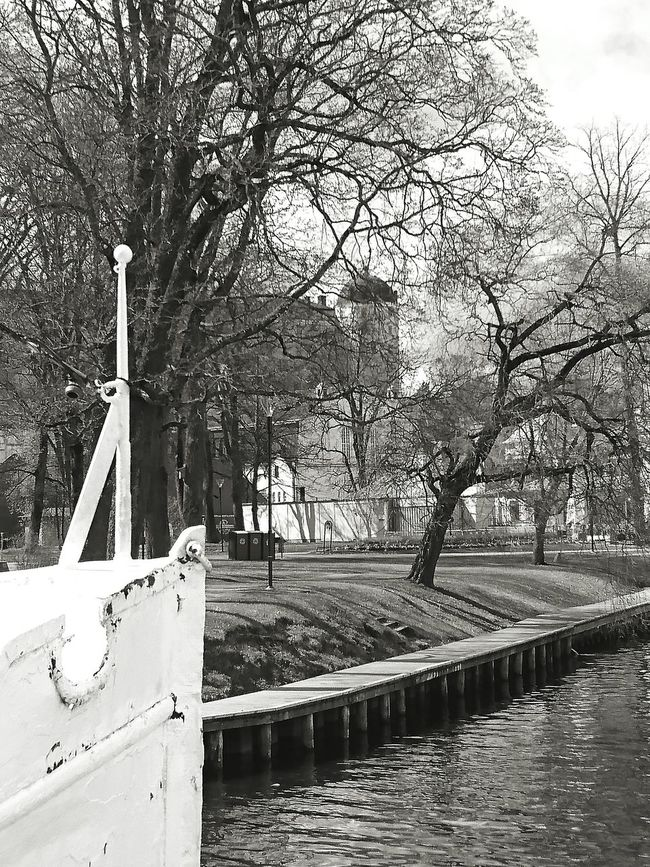 Boat Ship River River Collection Riverside Castle Restaurant Black & White Black And White Black And White Photography Blackandwhite The Places I've Been Today Europe Urbanphotography Architecture_collection Park