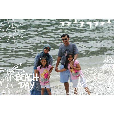 Day 29 : beach @vienanda Alfanova Alfanovastrip Tepocece Mayphotochallenges mayphotochallengeday29 wnephotochallenge wneoverlays