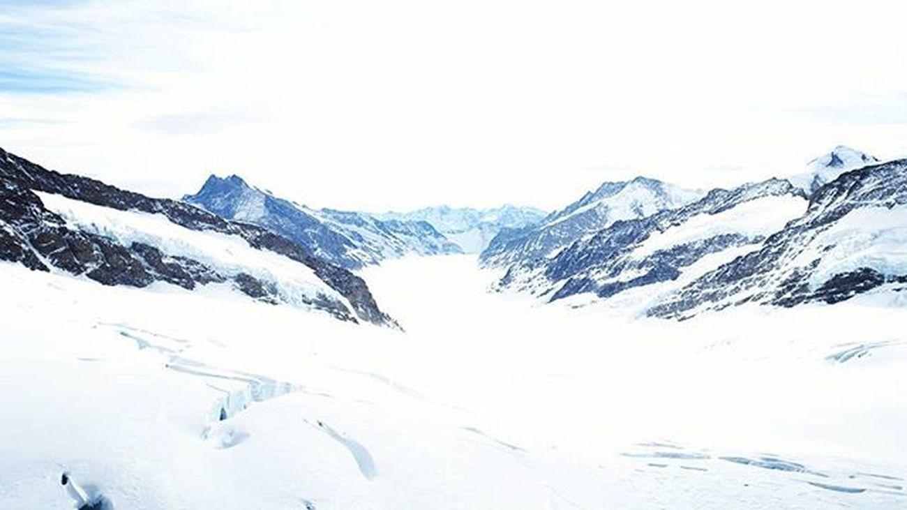 Top of Europe. Jungfraujoch. 少女峰 Fantastic Jungfrau Switzerland 雪山 -3℃ 高山反應 Beautiful 此行無憾 Niceweather