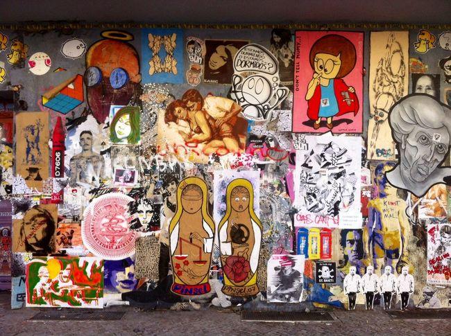(C) Alexander Eger Berlin SNAPSHOTS Berlin Streetart Streetphotography Collage Street Photography City Speaks Streetart Street Art/Graffiti Color Palette Color Explosion
