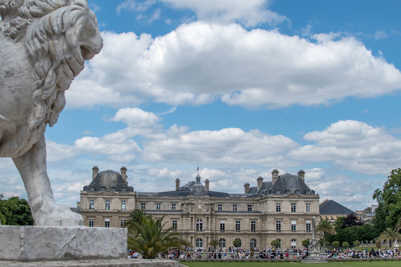 Architecture Building Exterior Built Structure Cloud - Sky Day France History Jardin Du Luxembourg Lion Luxembourg Garden No People Outdoors Sculpture Sky Statue Statue Tourism Travel Destinations Tree