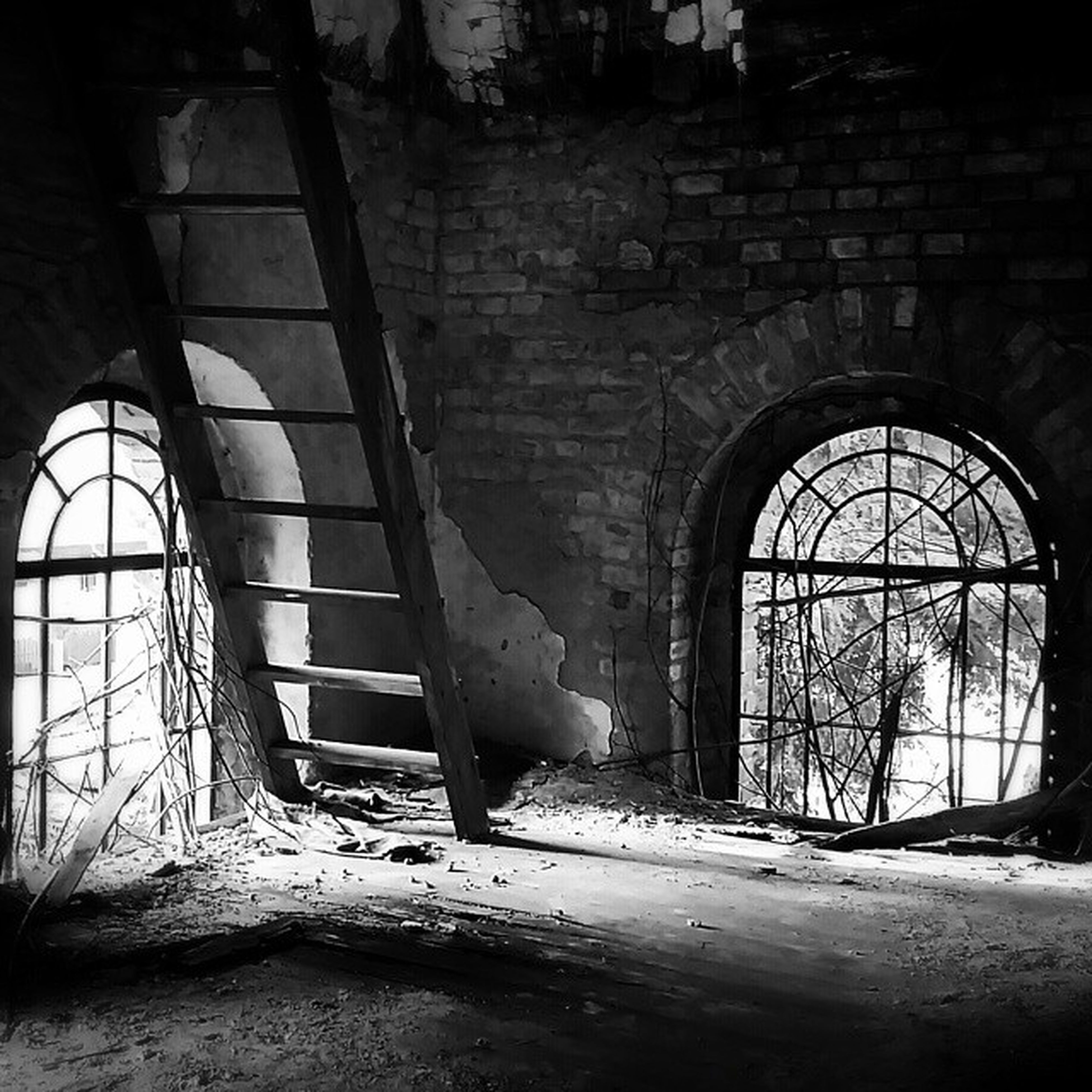 indoors, abandoned, obsolete, built structure, old, damaged, architecture, run-down, deterioration, wall - building feature, window, interior, weathered, bad condition, arch, wall, absence, broken, chair, ruined