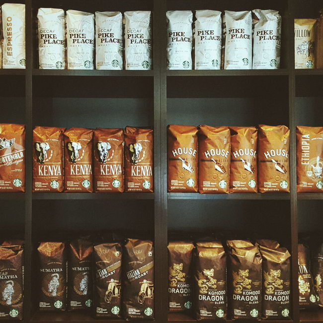 Coffee from around the world. Starbucks 125 Summer Street, Boston, USA. Galaxy Note 5 | 4.3mm equiv 28mm | 1/25 sec | f/1.9 | iso 250 Wanderlust, Urban Exploration, Street Photography, Around The World.