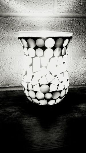 Learn & Shoot: Simplicity Creative Light And Shadow Color Photography EyeEm Creative Creative Edit Creative Shots Light And Shadow Black And White Photography EyeEm Best Shots - Black + White Magical Light Eye4enchanting EyeEm Best Shots EyeEm Gallery Tealight Waxmelts Creative Light And Shadow EyeEm Best Edits On The Table Eye4photography  White Album Learn & Shoot: Leading Lines By Candlelight Candle Light Candle Holder Showcase: NovemberCandlelight