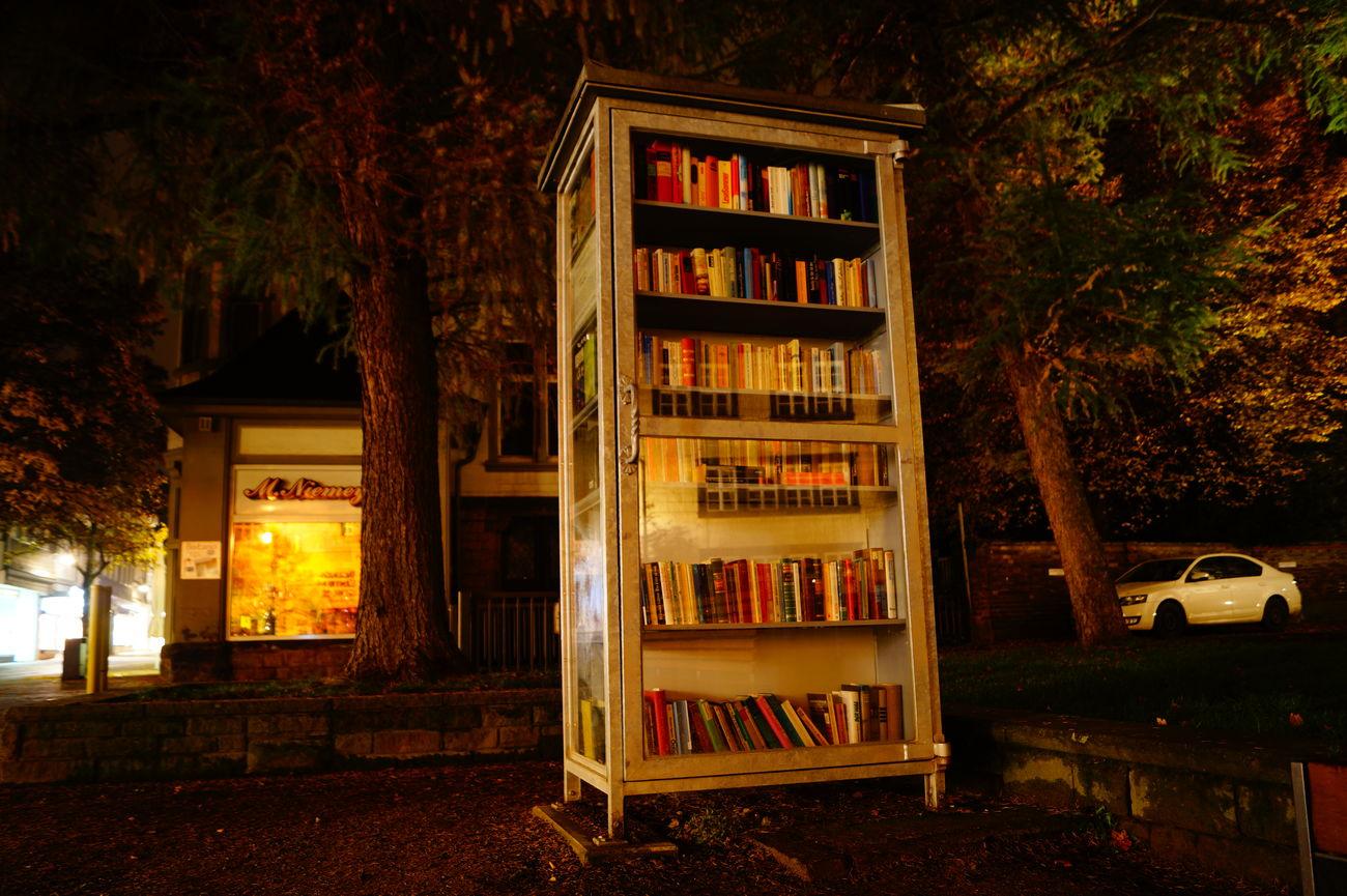 Bücher  Bücherregal Goslar Langzeitbelichtung Night No People Goslar