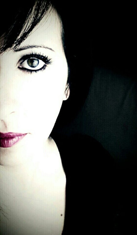 That's Me Hellooo Eyem !  Taking Photos Enjoying Life Hello World Hi! Portrait Color Portrait Selfie Selfportrait