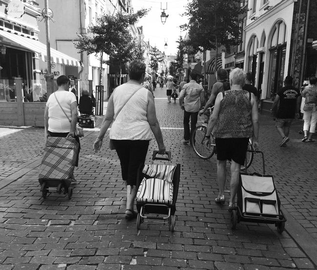 Everyday Lives Shopping Time Streetphotography Friendship EyeEm Best Shots IPhoneography Streetphoto_bw Women Of EyeEm Snapshots Of Life