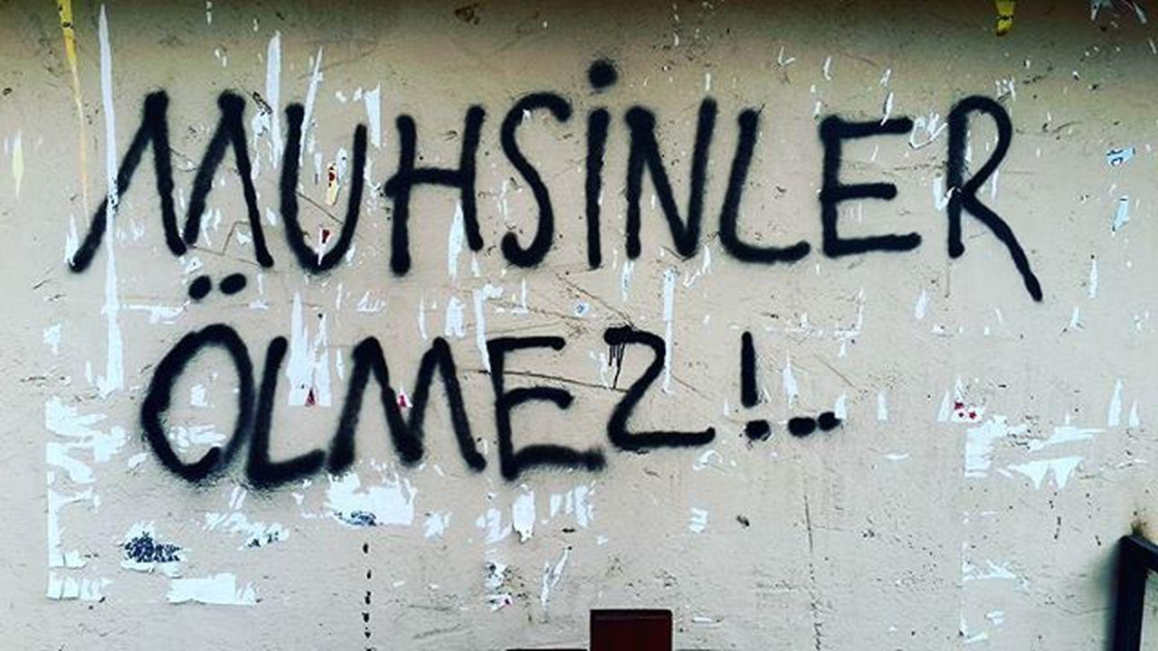 Gönlümüzde olanlar duvar yazılarında .. Muhsinlerölmez Muhsinbaskan şehitlider MuhsinYazıcıoğlu