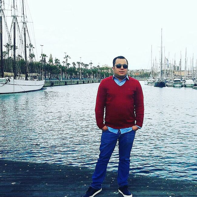 Barcelona♡♥♡♥♡ Barcelona, Spain Looking At Camera Person Sea Confidence  Outdoors Water Front View FcBarcellona Spain ✈️🇪🇸 Barcelona2016 Tourist Tourism City Life Spain_vacations Barcelona España Barcelona_world Travel Destinations Barcelona Streets Barcelona