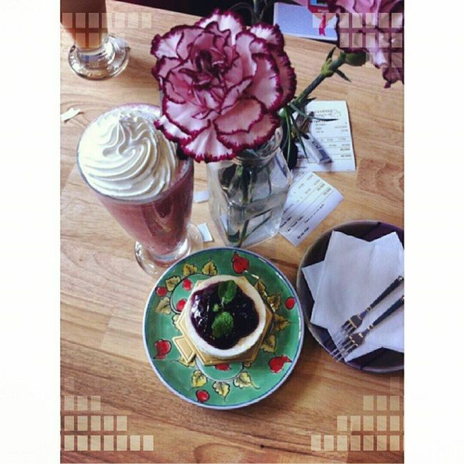Strawberry Smoothie and Blueberry Mousse Cake Yummy Susfoodtrip