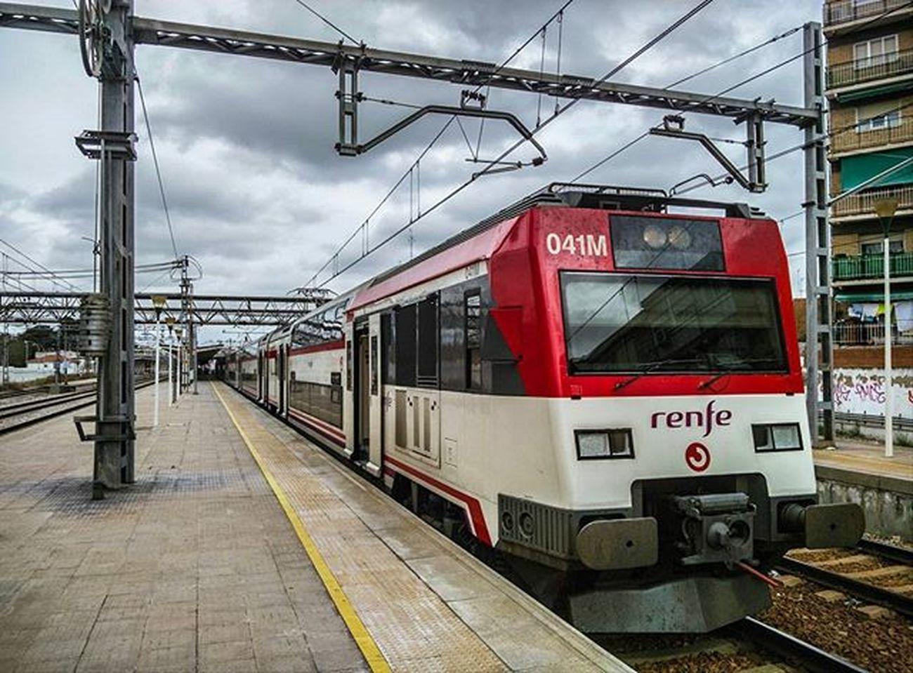 450 Tren Cercanias Renfe Estación