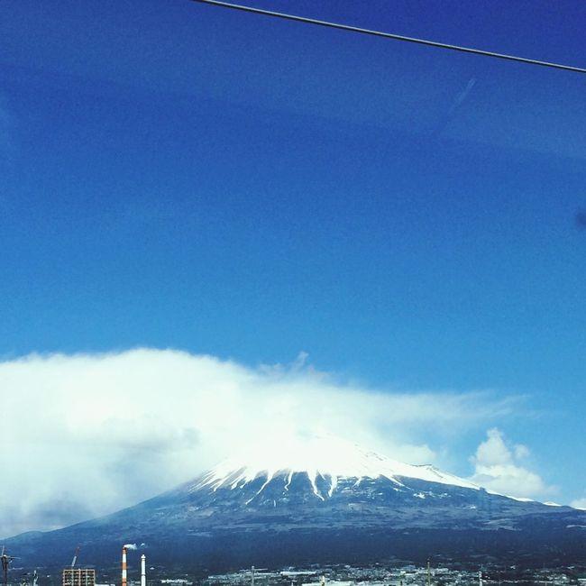 富士山。結構雲かかってます。