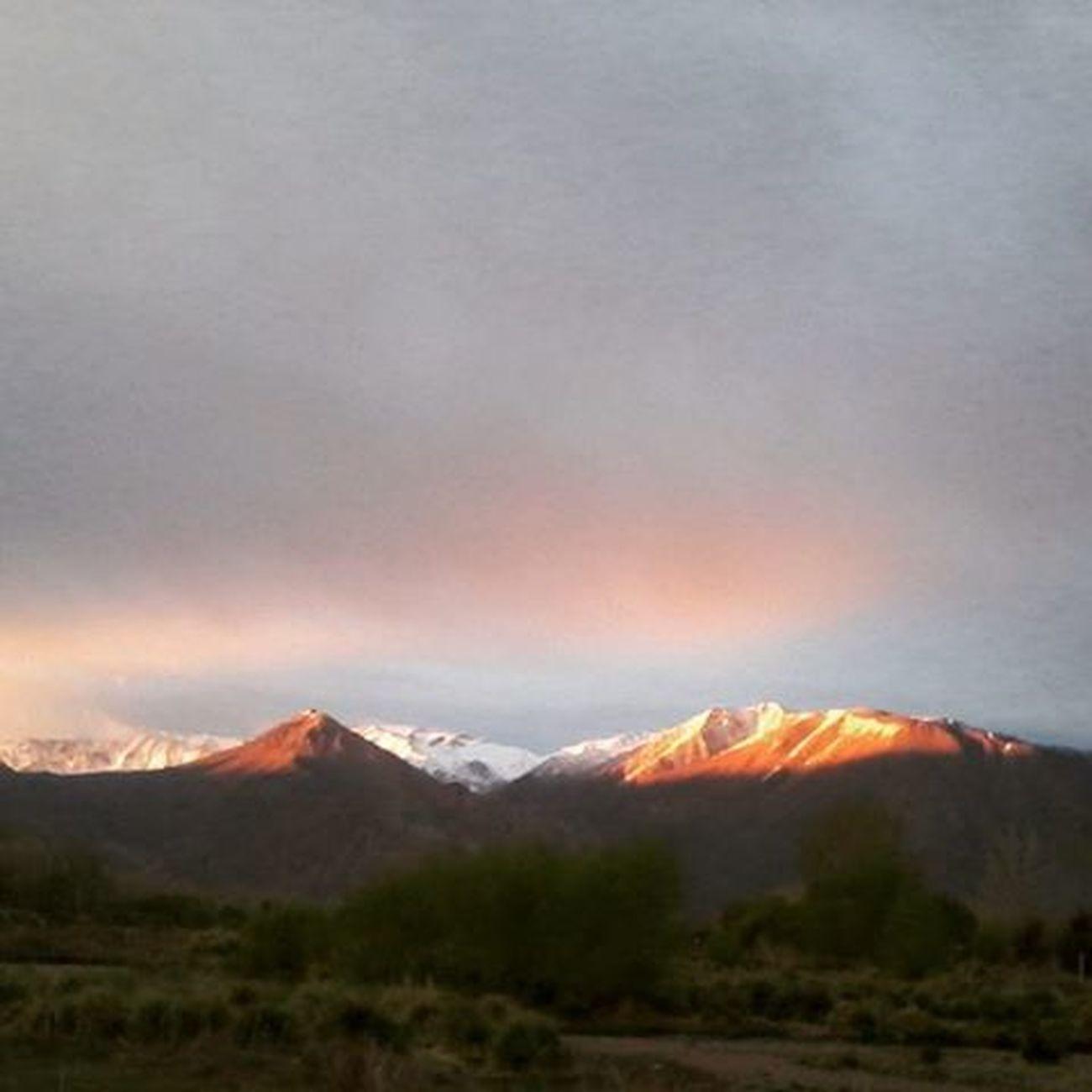 Madrugando en uspallata!!! InTheMorning Beautyplace Mountains Paisaje Tengosueño Caradehuevofrito Peronomeimporta Yehet hehe