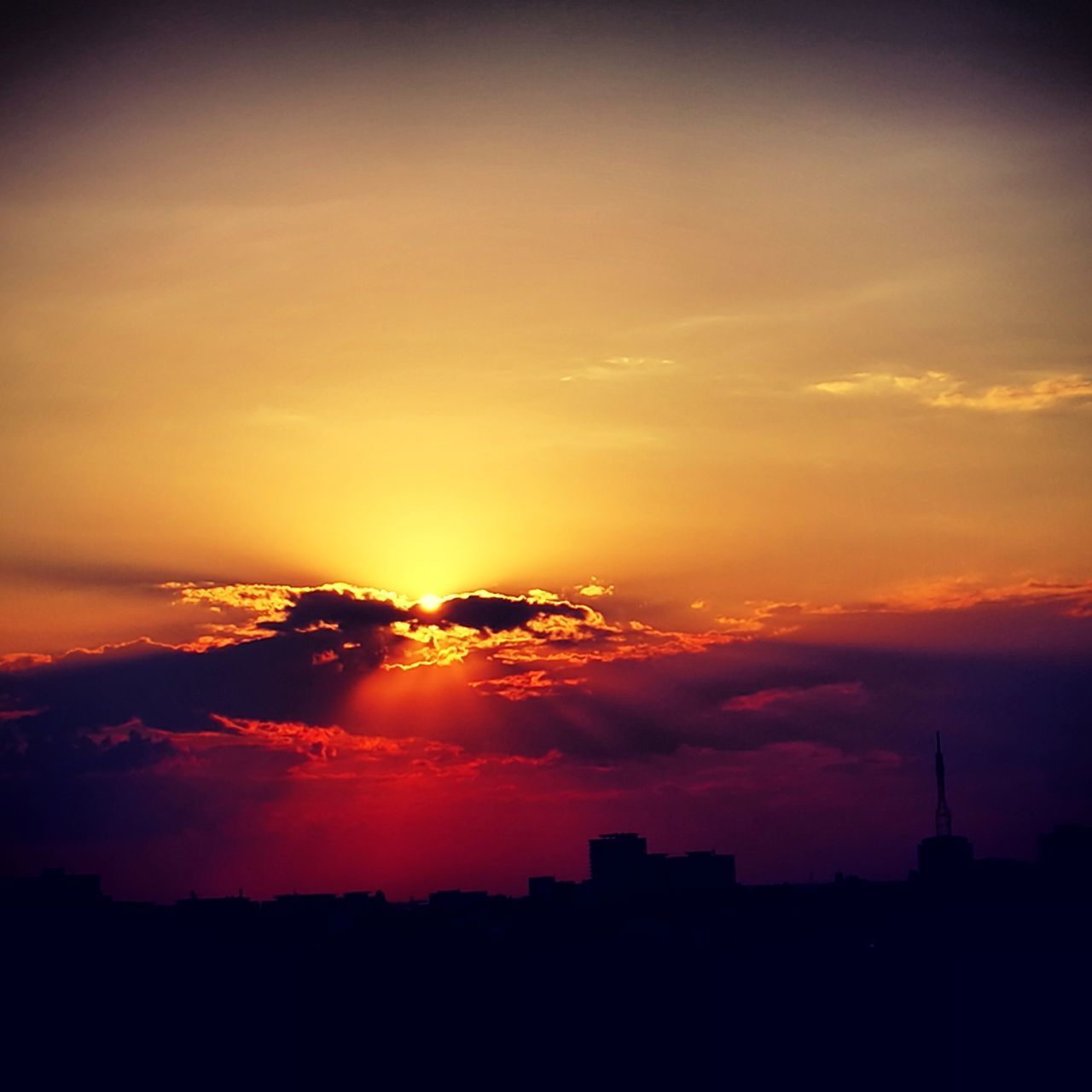 sunset, silhouette, sky, architecture, city, cityscape, no people, sun, skyscraper, building exterior, built structure, nature, outdoors, beauty in nature