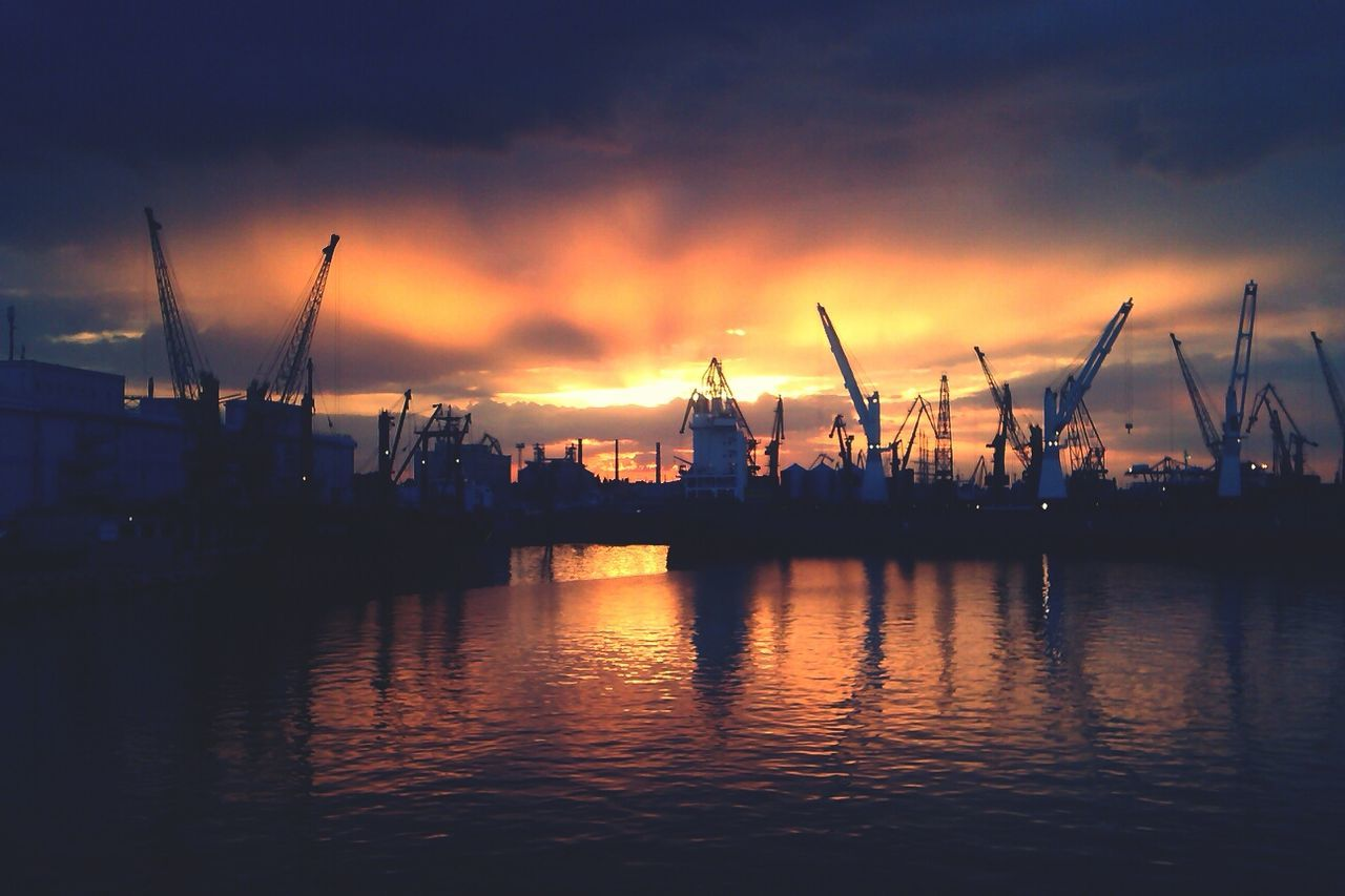 Sea Port Taking Photos Sun Set