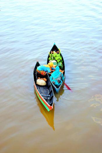 Lok Baintan floating market activity First Eyeem Photo Floating Market Lokbaintan Banjarmasin River View