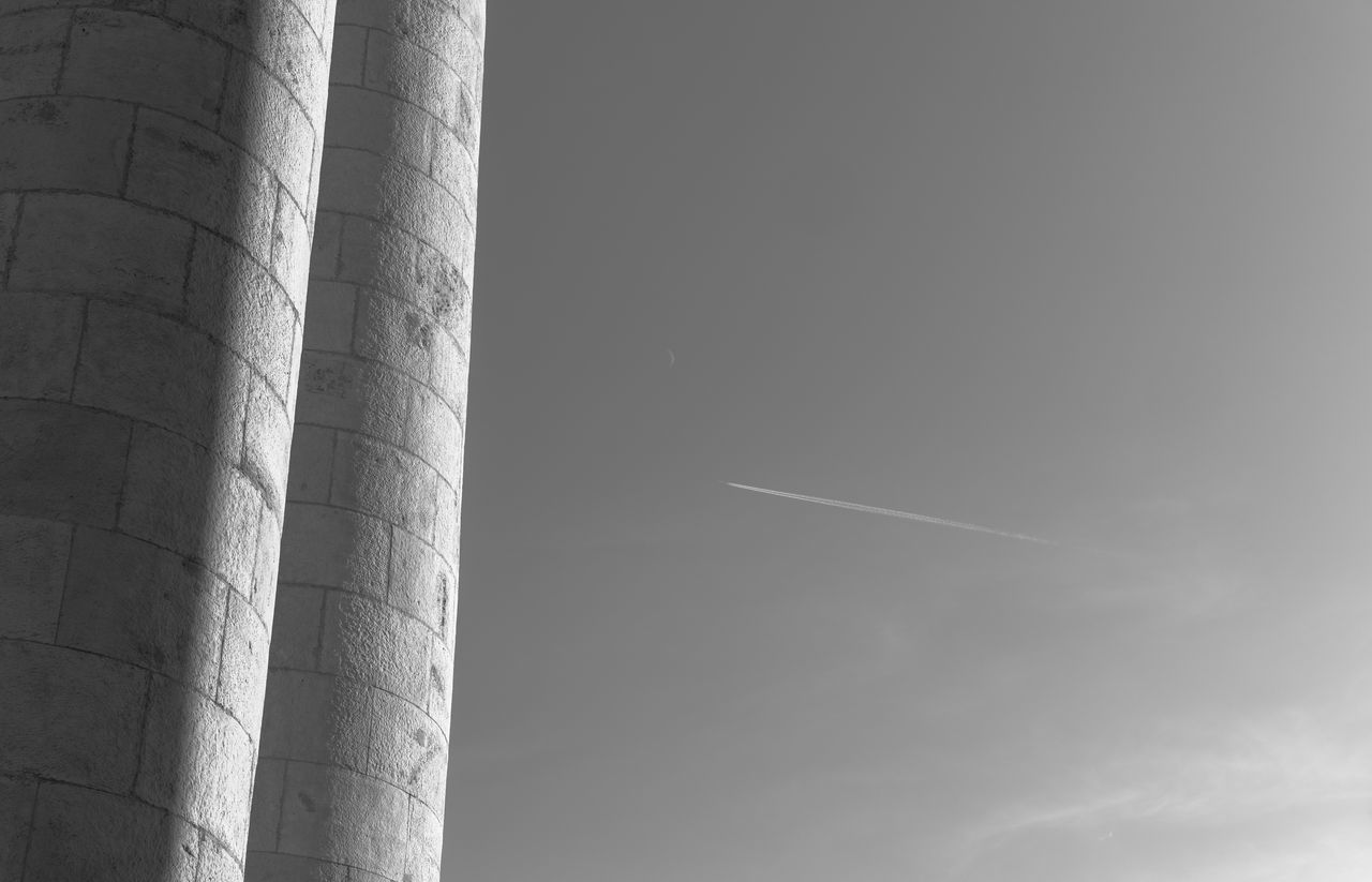 Architectural Column Architecture Built Structure Day Low Angle View Nature No People Outdoors Sky Vapor Trail
