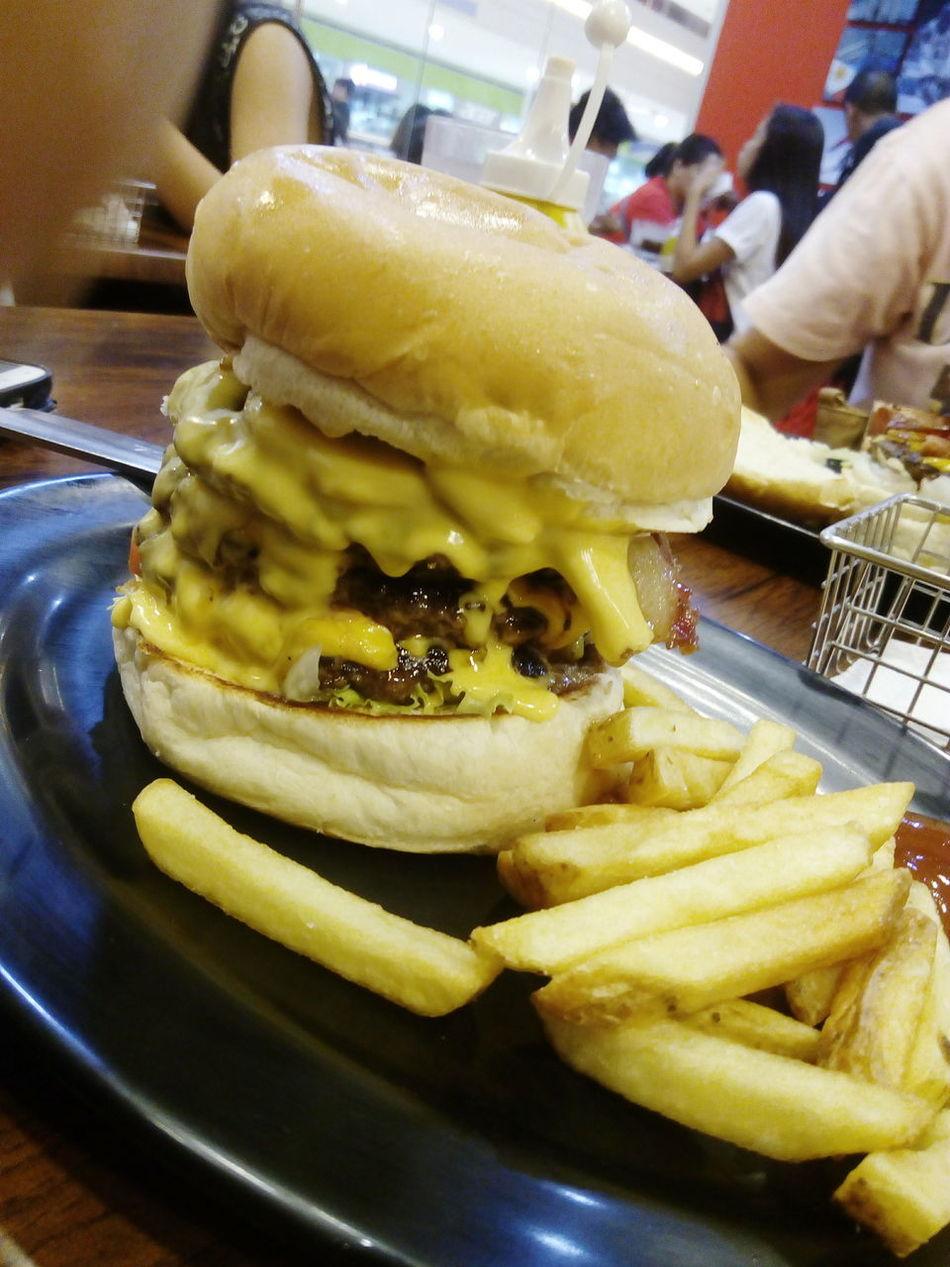 Zark's burger Foodphotography Nomnomnom Foodporn Burgers & Fries Burgers CheeseBurger Cheese Cheesy
