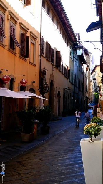Showcase July On The Way Hidden Gems  Colour Of Life Capture The Moment City Old Town Arezzo Italy🇮🇹 Z3 Xperia Arezzox