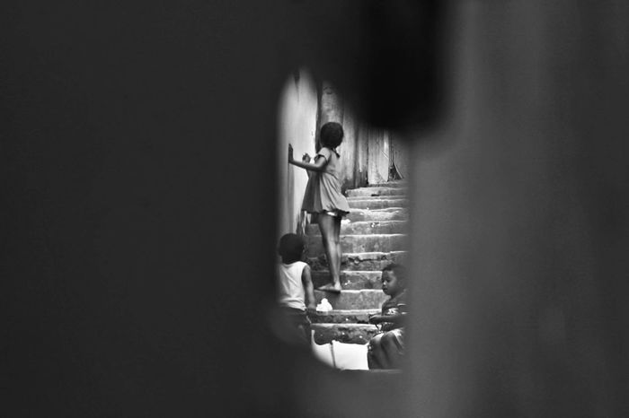 Outdoors Kids Favelabrazil Picoftheday Photography Vscogood Photooftheday Fotografos_brasileiros Fotografiaurbana Urbanphotography, Blackandwhitephoto Brazil Children Photography Streetphotography Instagood Picoftheweek Pretoebranco Cotidiano Blackpeople Guetto